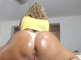 Big Clits MILF Fingering and Squirting