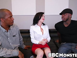 Fisting Squirting MILF Veronica Avluv takes care of two black dongs