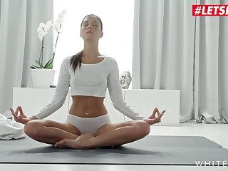 Yoga LETSDOEIT - Gorgeous Babe Orgasmic Masturbation on Yoga Mat