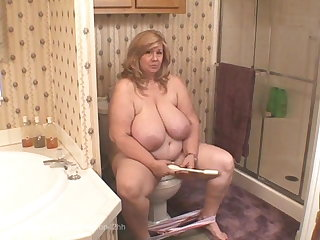 Lactating Curvy Sharon on toilet