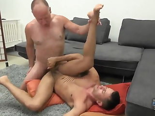 Young man sucks & gets fucked by older daddy