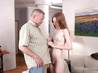 Big Butts Skinny babe asks uncle for help and gets a fuck