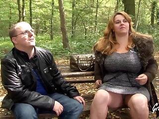 Small Tits tit-screwing et sodomie pour cette superbe plus-size aux sei