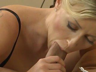 Close-ups Blonde MILF lubricates lover's cock 18-43